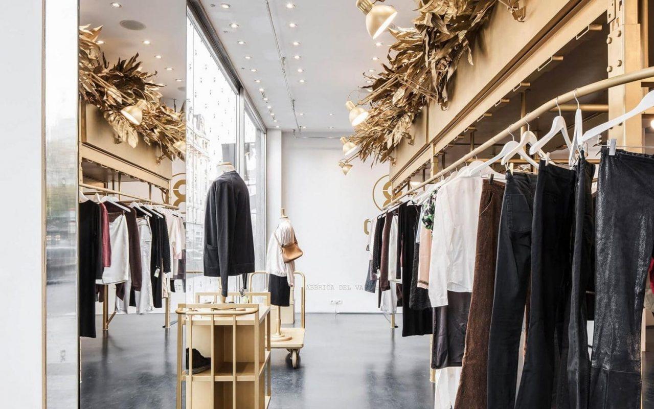 Mẫu thiết kế nội thất shop quần áo nam
