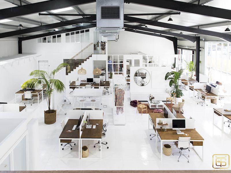 Đây là một phong cách thiết kế nội thất văn phòng làm việc với phong cách mở rất được ưa chuộng