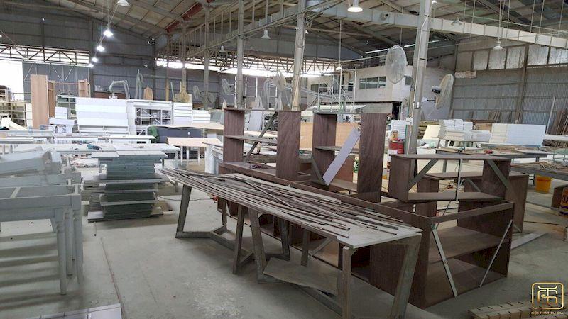 Hình ảnh xưởng sản xuất nội thất văn phòng